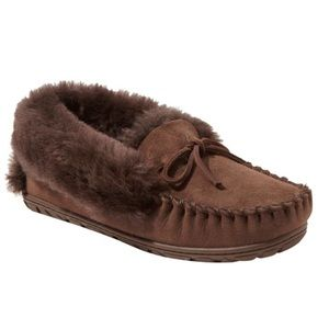 L.L. Bean women's wicked good moccasins size 9!